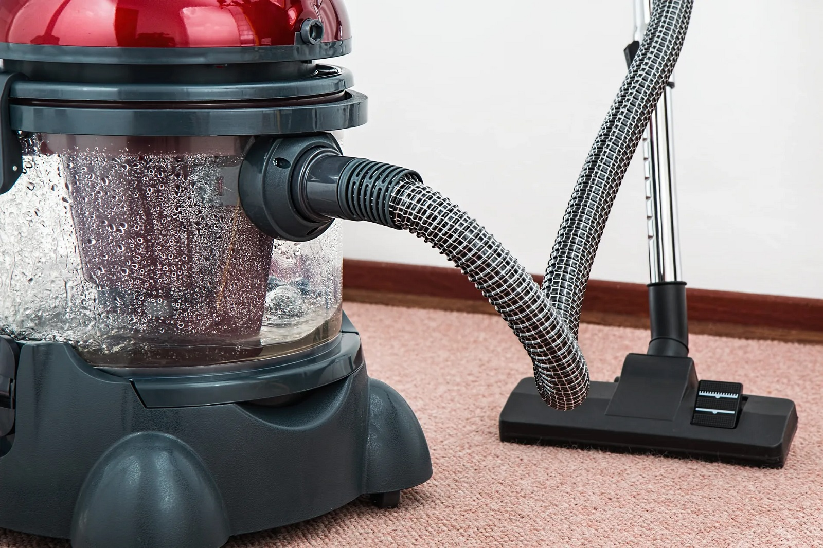 Carpet Cleaning Equipment's in Budget for Making Carpet Long Lasting
